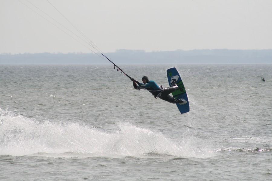 sprung kitesurfen kiten