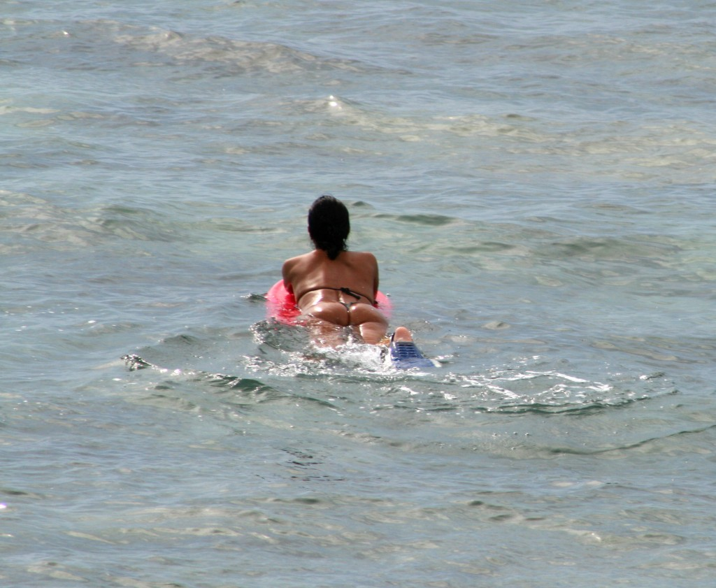 date a surfer