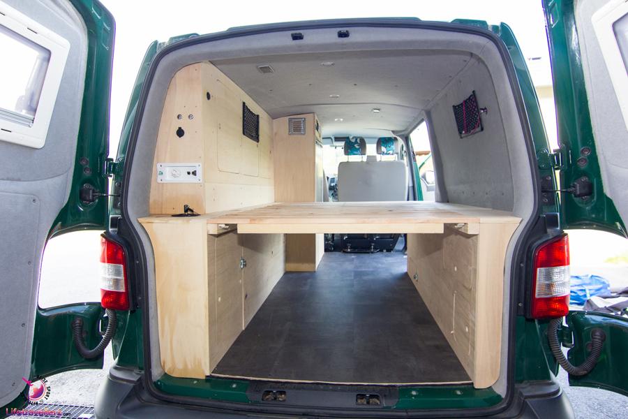 der perfekte bulli ausbau f r surfer und kitesurfer. Black Bedroom Furniture Sets. Home Design Ideas
